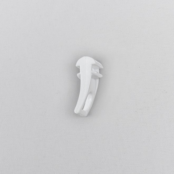Plastic slider for hooks and metal curtain clips white colour No. DS 208